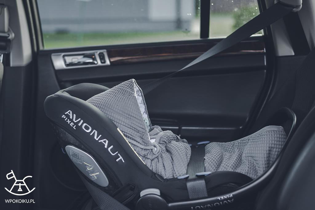 Otulacz do fotelika samochodowego