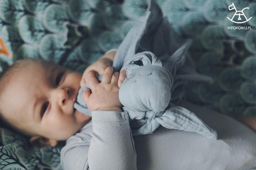 Pierwsza zabawka dla niemowlaka
