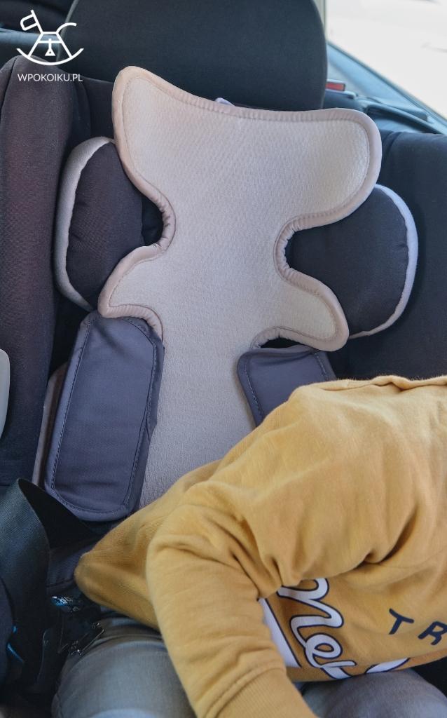 Mata antypotowa AirCuddle niezbędnym akcesorium dla twojego malucha - mata do fotelika samochodowego