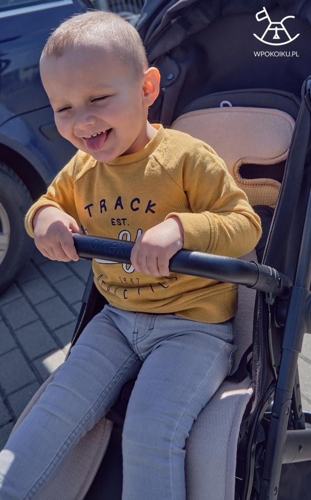 Mata antypotowa AirCuddle niezbędnym akcesorium dla twojego malucha - mata do wózka