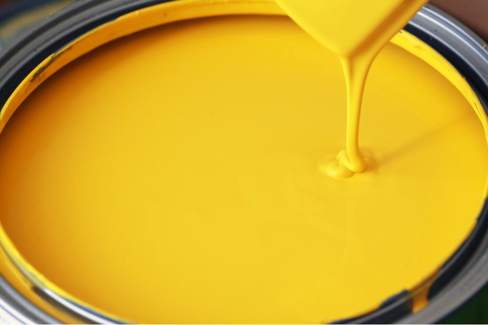 farba kredowa słonecznikowy żółty na pędzlu