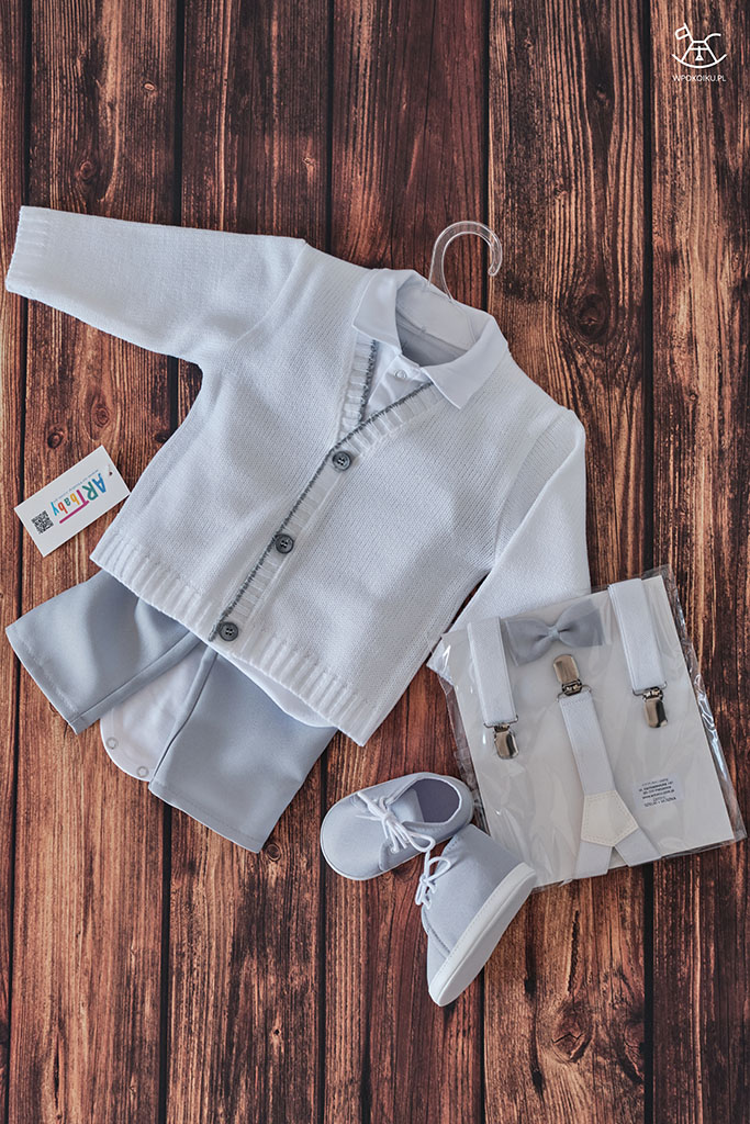 biało szary komplet eleganckich ubranek dla chłopca